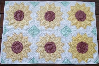 """Fall Decor! Vintage Sunflower Crib or Table QUILT 33"""" x 22 Gorgeous"""