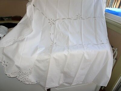 Vintage White Linen Tablecloth Beautiful Needlework Cutwork Oval 66x82