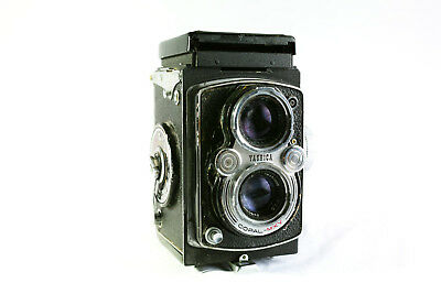 Yashica MAT LM Twin Lens Reflex Camera Copal MXV 80mm 1:3.5 FOR PARTS