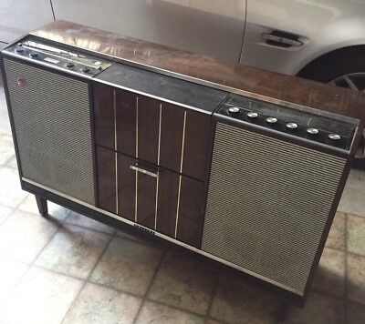 Old Antique 1966 Electronic Glidomatic Philips Radio Wooden Vinyl Record Player