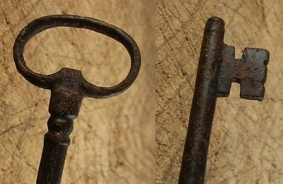 Antique French Key, 5 7/8 inches (15 cm)