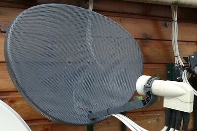 Antenne satellite elliptique + LNB QUAD