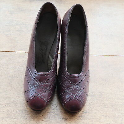 Genuine Vintage 1930s/1940s  Size 4  Brown Brogue Style Leather Shoes