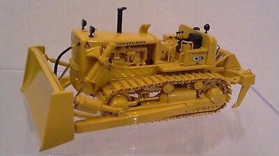 Allis Chalmers HD 21 Crawler Dozer with Ripper by First Gear  1:50 scale