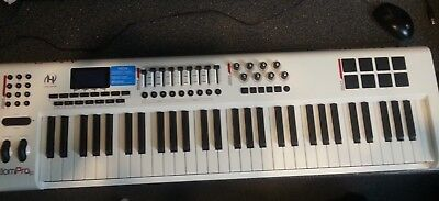 M-Audio Axiom Pro 61 Keyboard Controller in  Excellent Condition
