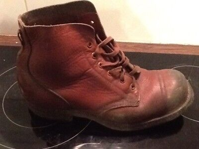 Pair Brown Leather Ww2 1944 Boots V589654 Australian?