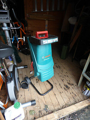 Bosch AXT RAPID 2200 chipper shredder lightly used - Spare blade and chip bag