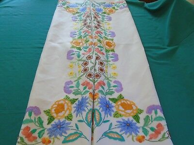 Stunning,Vintage Hand Embroidered Linen Tablecloth..Plump Raised Flowers,VGC