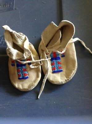 Vintage Hand Made Crow Indian Tiny Baby Moccasins Beaded Montana