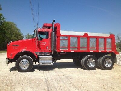 2007 T800 Kenworth dump truck, 240,000 miles, C13 CAT, 8LL 15'4 bed, great condi