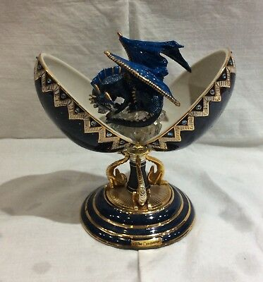 Ardleigh Elliott The Conquer figurine - Crystal Guardians Collection