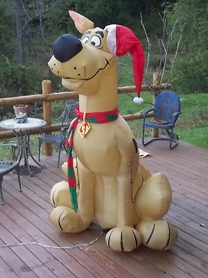 Airblown Inflatable Christmas Scooby Doo 9 Ft Tall VERY NICE