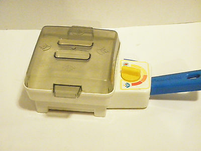 Fisher Price  1987 wind up sizzling  frying pan  2115