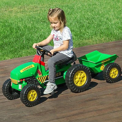 V0500265 Tractor Toy With Tow And Pedals