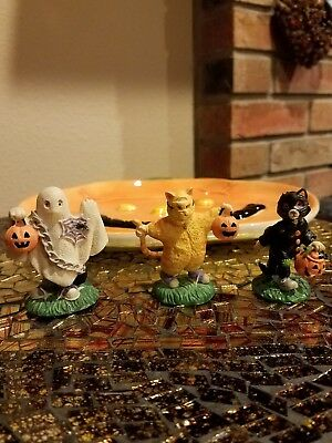 Creepy Hollow - Set of 3 Figures - Three Children Trick or Treating.