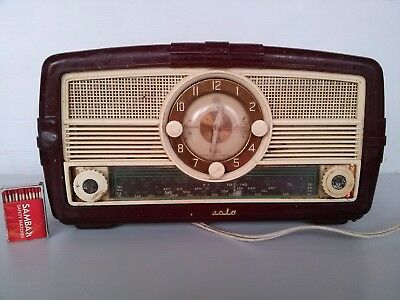 Vintage 1954 AWA Radiola 459MA  Radio. Fully Working.