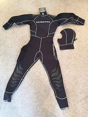 Ladies ScubaPro NovaScotia 6.5 Semi Dry Suit & Hood! Excellent cond, used once!