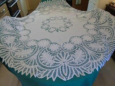 "Stunning Round Hand Worked Tape Lace Tablecloth,Vintage/Antique..70"" Diametre"