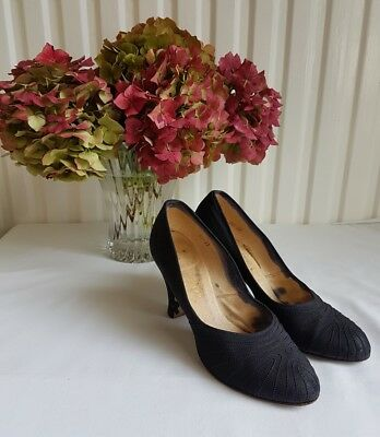 Genuine Vintage 1940's Dolcis Black fabric Shoes Size 4