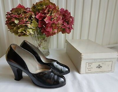 Vintage genuine 1940's Walder black leather shoes size 4 made in Switzerland