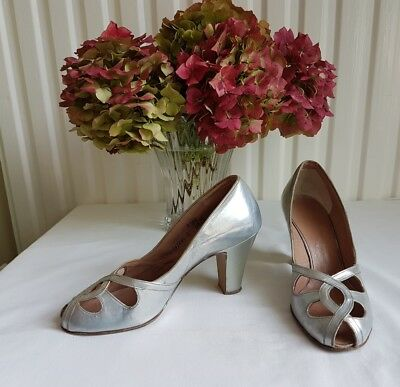 Genuine Vintage 1940's silver leather peeptoe Shoes Size 3