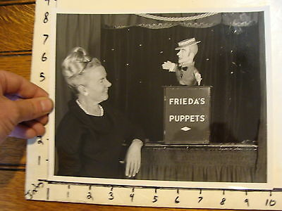 Vintage FAMOUS PUPPETEERS Photo: FRIEDA'S PUPPETS