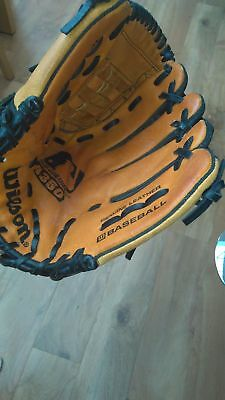 "Wilson A350 11"" right hand throw baseball glove"