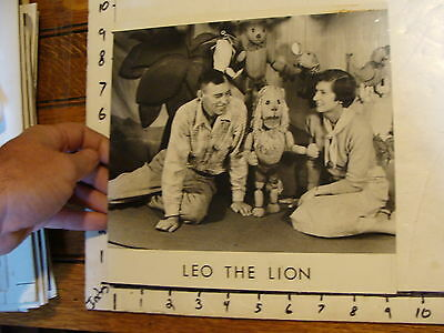 Vintage FAMOUS PUPPETEERS Photo: LEO THE LION