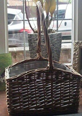 Lovely Vintage Collectable Wicker Fruit Basket Farmhouse Kitchen