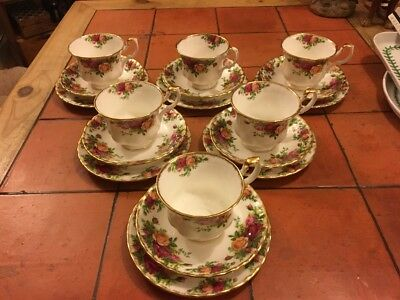 6 Royal Albert  'old Country Roses'  Tea Cups ,saucers And Side Plates