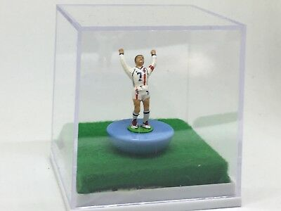 subbuteo-Custom Figure..David Beckham( Celebration V Greece 2002)