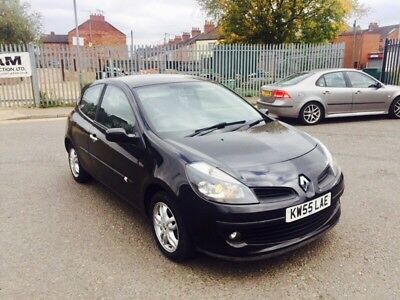 renault clio 1.5 dci diesel, £30 tax a year, black good condition