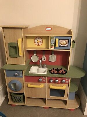 Lovely Little Tikes Wooden Kitchen Plus Extras Food Toys Role play Christmas