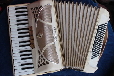 Hohner Piano Accordion Lucia III, 96 bass, white, vintage 1976, mint, serviced