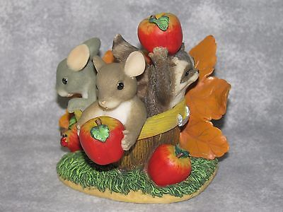 F&F Charming Tails Friends Are a Basket of Fun Figure Mice Raccoon Apples Leaves