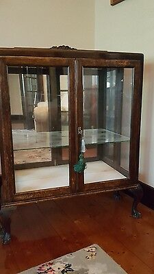 Chipendale Crystal cabinet