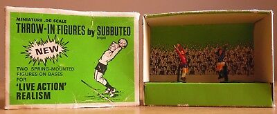 Subbuteo Two Spring-Mounted Figures  Live Action Realism - Set C 132 -   10/17