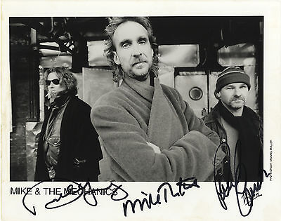 Mike and The Mechanics ' Including Paul Young and Paul Carrack ' I/P Signed.