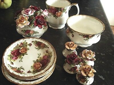 "A Mixture Of Items Of Royal Albert ""old Country Roses""......."