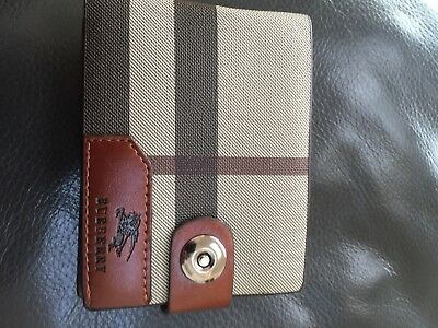 Burberry Wallet magnetic clip