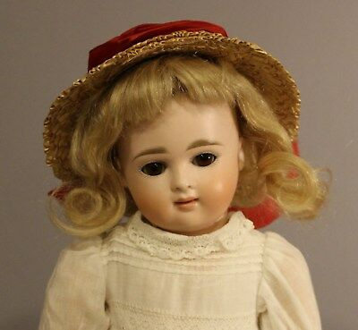 ANTIQUE  CLOSED  MOUTH  GERMAN  BISQUE  DOLL  By  KESTNER