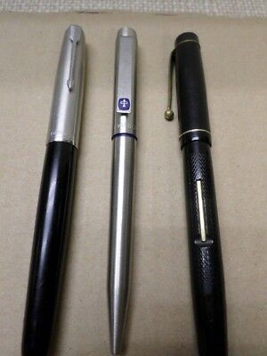 3 Collectable Pens  (2 Fountains)