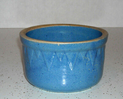 """LOOK!!! Extra Small Blue Stoneware Ruckels """"Sawtooth"""" Bowl WHITE HALL ILL 5 5/8"""""""