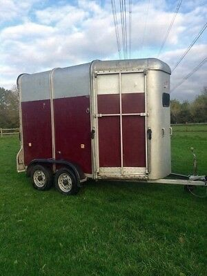 Ifor Williams 505 Double Horse Trailer in Dark Red