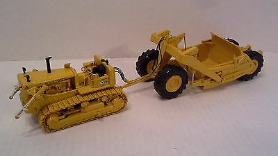 Allis Chalmers  HD 21 Crawler with Ejector Scraper by First Gear  1:50 scale