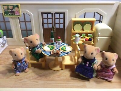 Sylvanian Families DORMOUSE FAMILY, KITCHEN FURNITURE & LOTS OF ACCESSORIES