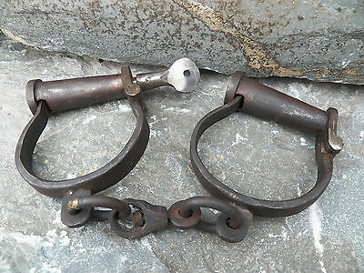 Old West Police Civil War Pirate Iron Fixed Handcuffs Restraints Shackles w/Key