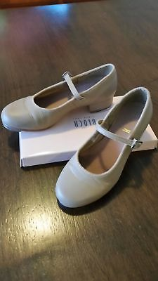 Girls size 13.5 Bloch Tap Shoes