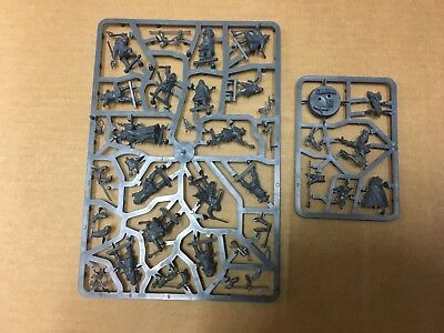 Hobbit Escape from Goblin town 56 miniatures and scenery all new on sprues