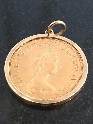 1976 Queen Elizabeth 11 Full Sovereign Pendant